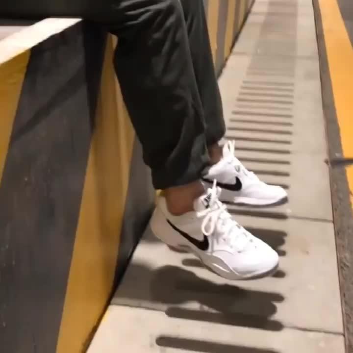 户外休闲运动复古减震老爹鞋耐磨保暖网球鞋 黑白灰845021-100