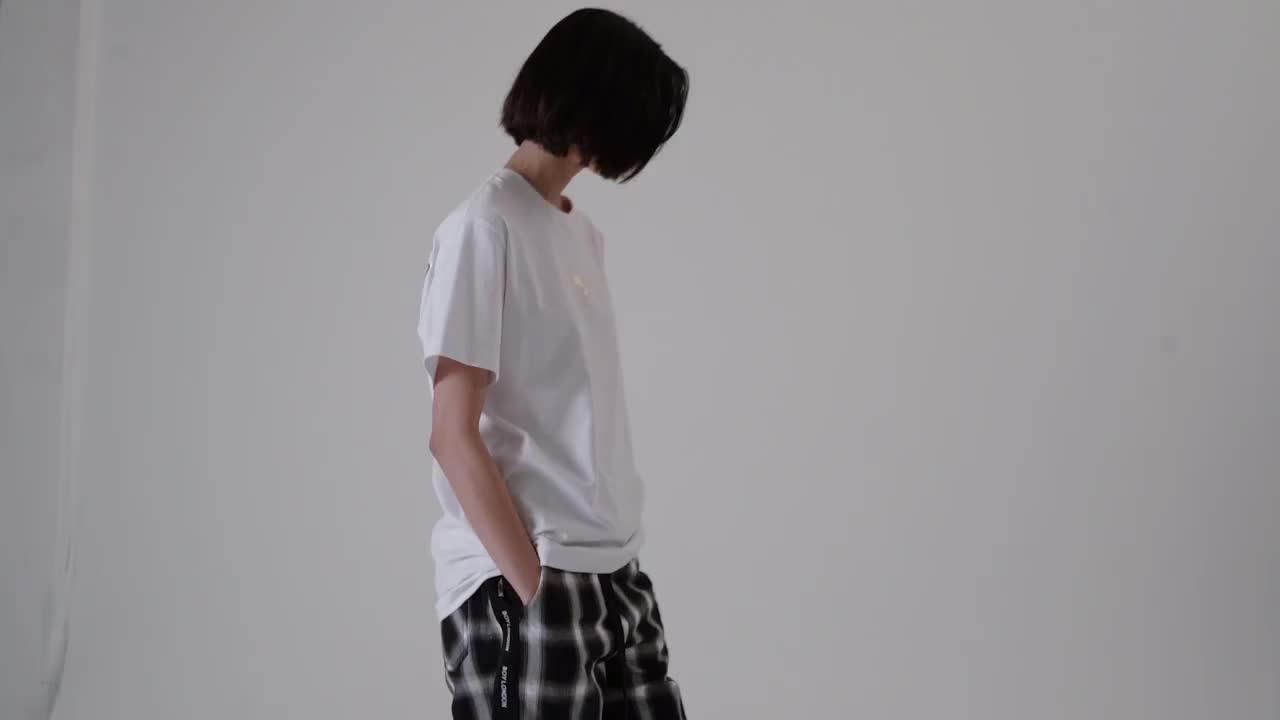 BOY LONDON 2020春新款后背大幅英文LOGO烫金印花短袖T恤