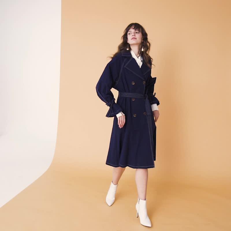 UR2020春季新品女装成熟风双排扣翻领风衣WE41S1DE2000