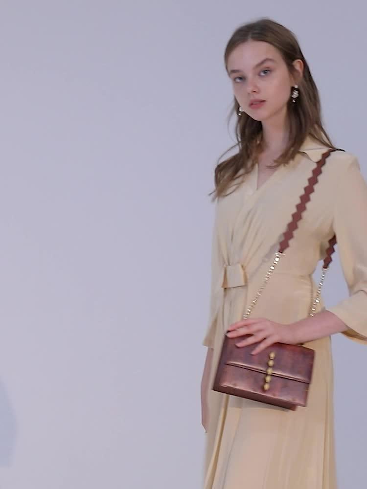 VH包包女包新款2019时尚气质单肩包棕色复古斜挎包冬季潮流小方包